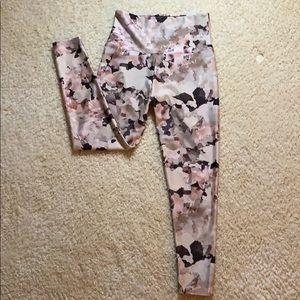 Onzie floral leggings